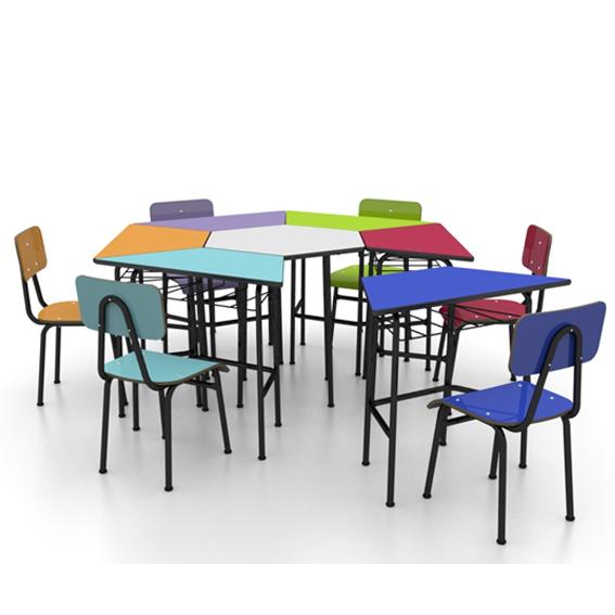 Conjunto de mesas e cadeiras SEXTAVADO INFANTIL (1 à 5 anos) colorido - Dellus