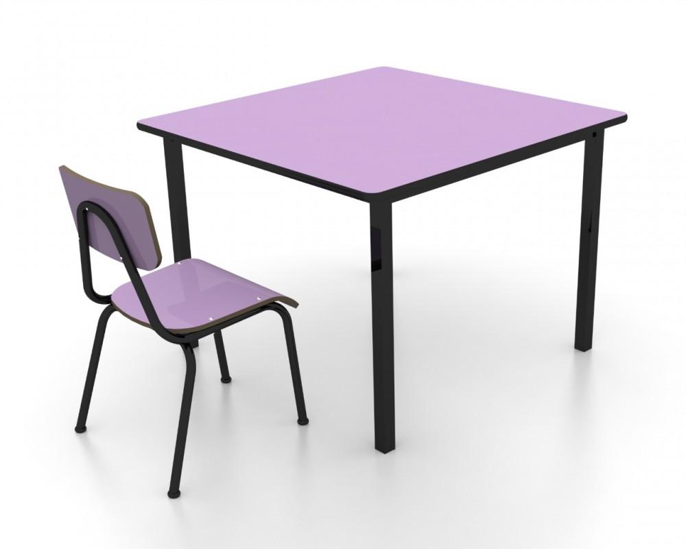 Conjunto de mesa infantil (1 à 5 anos) - 1 mesa + 4 cadeiras - colorido - Dellus -