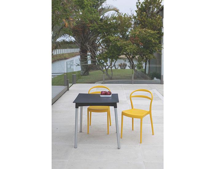 Cadeira Tramontina Sissi sem Braços com Encosto Vazado em Polipropileno e Fibra de Vidro -