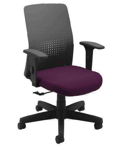 Cadeira Giratória 17601 - Syncron Auto Ajustável - Encosto Plastico Preto  - Linha Moov Light - Braço SL New PP - Cavaletti - Aranha Polaina - Estrutura Preta