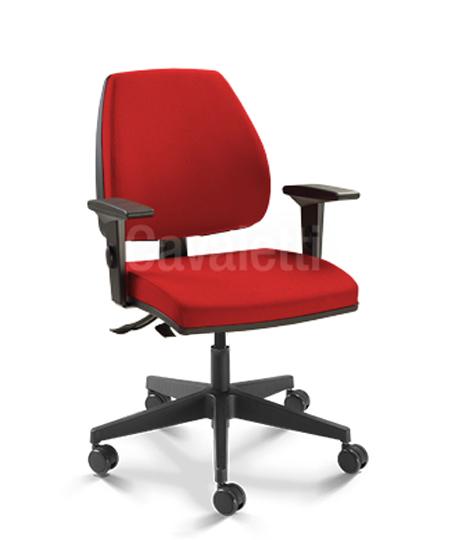 Cadeira para escritório giratória Diretor 38003 SRE - Linha Pro - Braço SL -  Cavaletti - Base Nylon