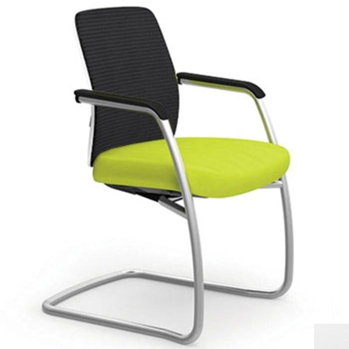 Cadeira para escritório aproximação estrutura (SI) PRATA e braços integrados  40206 SI - Linha Idea - Cavaletti