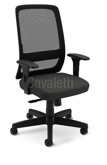 Cadeira para Escritório Presidente Giratória 42501 -  Syncron  - Linha Velo Light - Braço SL New PP   - Cavaletti - Aranha Polaina - Estrutura preta